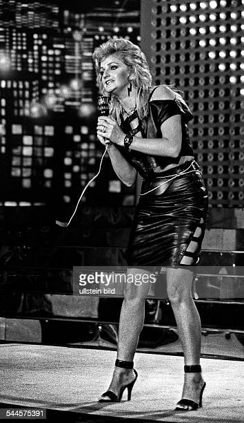 Tyler Bonnie Singer Great Britain concert at the Friedrichstadtpalast in East Berlin GDR 1984
