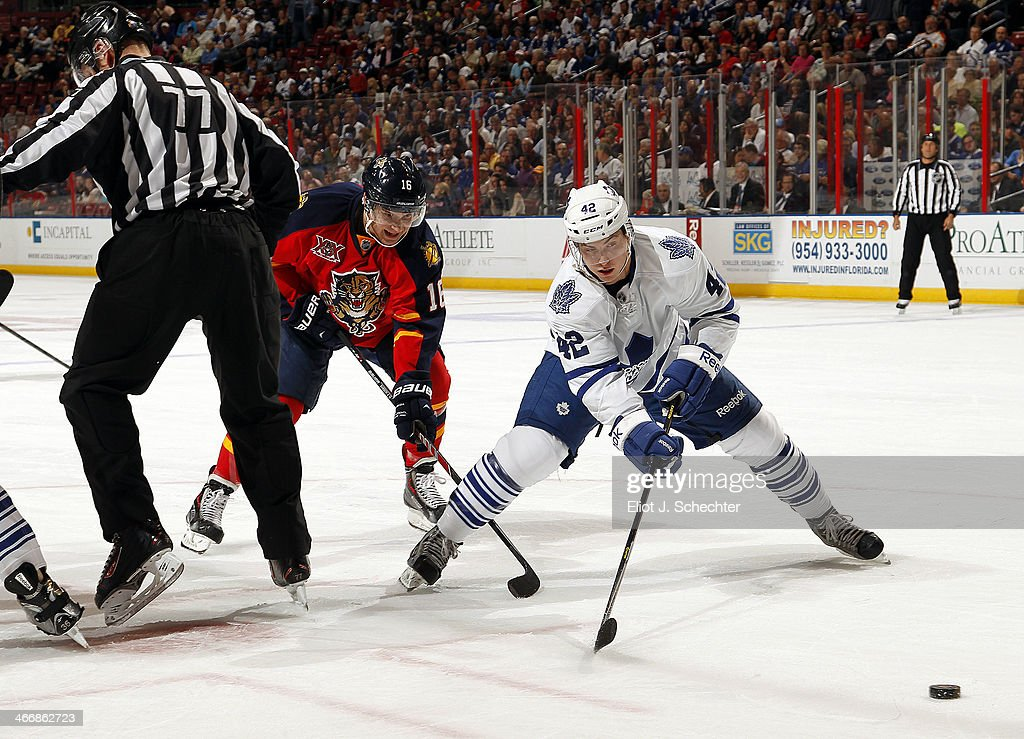 Tyler Bozak #42 of the Toronto Maple Leafs faces off against Aleksander Barkov #16 of the Florida Panthers at the BB&T Center on February 4, 2014 in Sunrise, Florida.