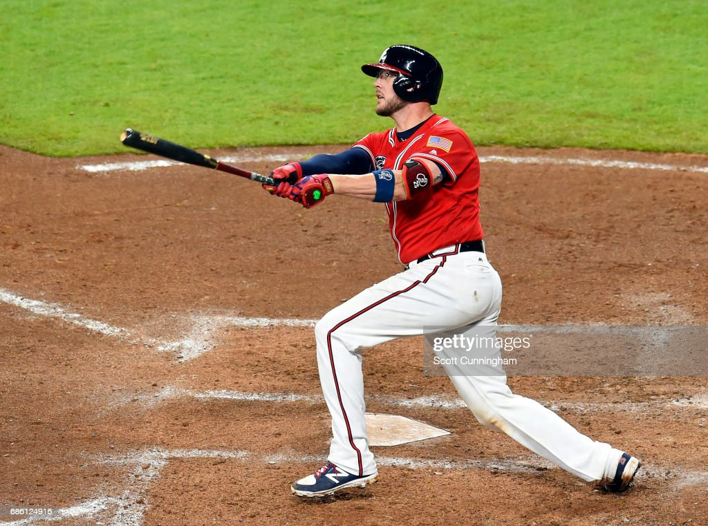 Tyler Flowers 25 Of The Atlanta Braves Hits An Eighth Inning Solo Home Run Against