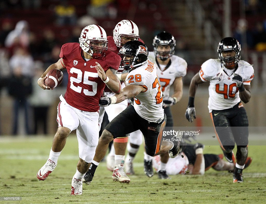 Tyler Gaffney #25 of the Stanford Cardinal breaks free en route to scoring a touchdown during their game against the Oregon State Beavers at Stanford Stadium on November 27, 2010 in Palo Alto, California.