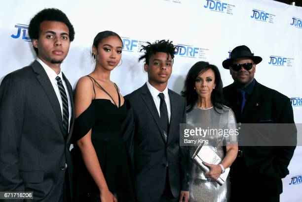 Tyler Harris Bella Harris honoree Max Harris Lisa Harris and songwriter/producer Jimmy Jam attend JDRF LA Chapter's Imagine Gala at The Beverly...