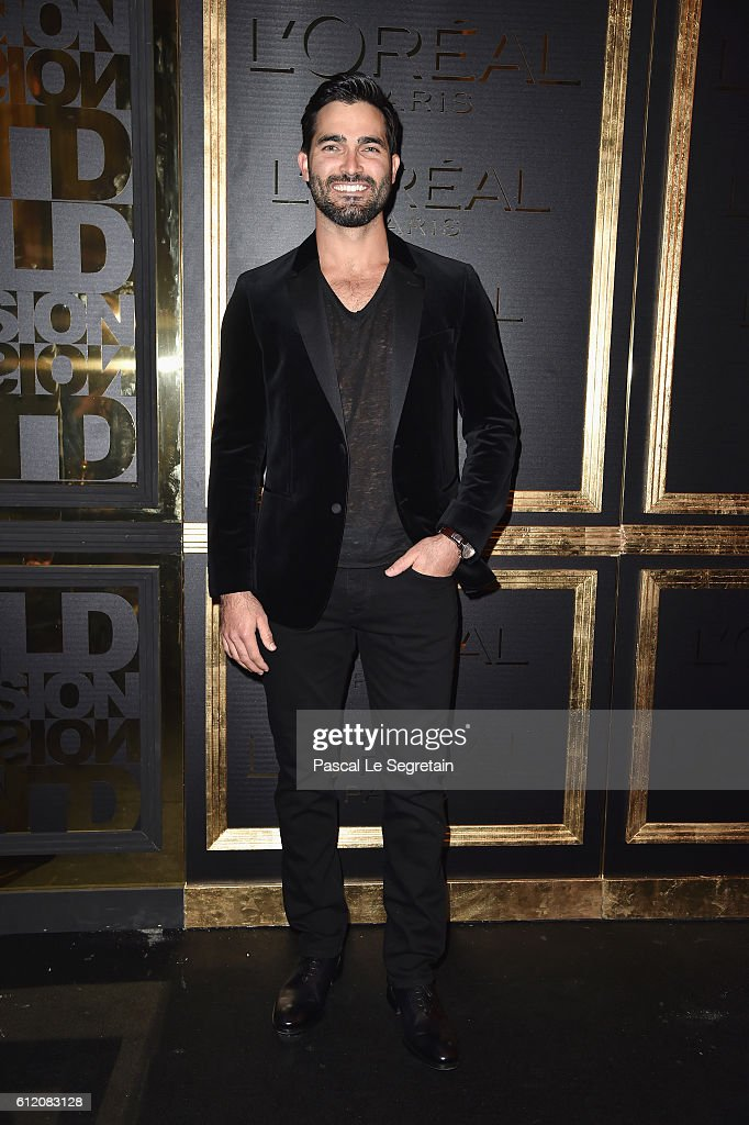 Tyler Hoechlin attends the Gold Obsession Party - L'Oreal Paris : Photocall as part of the Paris Fashion Week Womenswear Spring/Summer 2017 on October 2, 2016 in Paris, France.