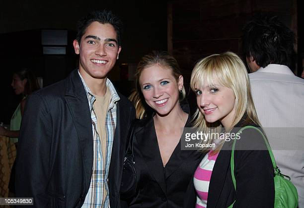 Tyler Hoechlin Brittany Snow and Ashlee Simpson