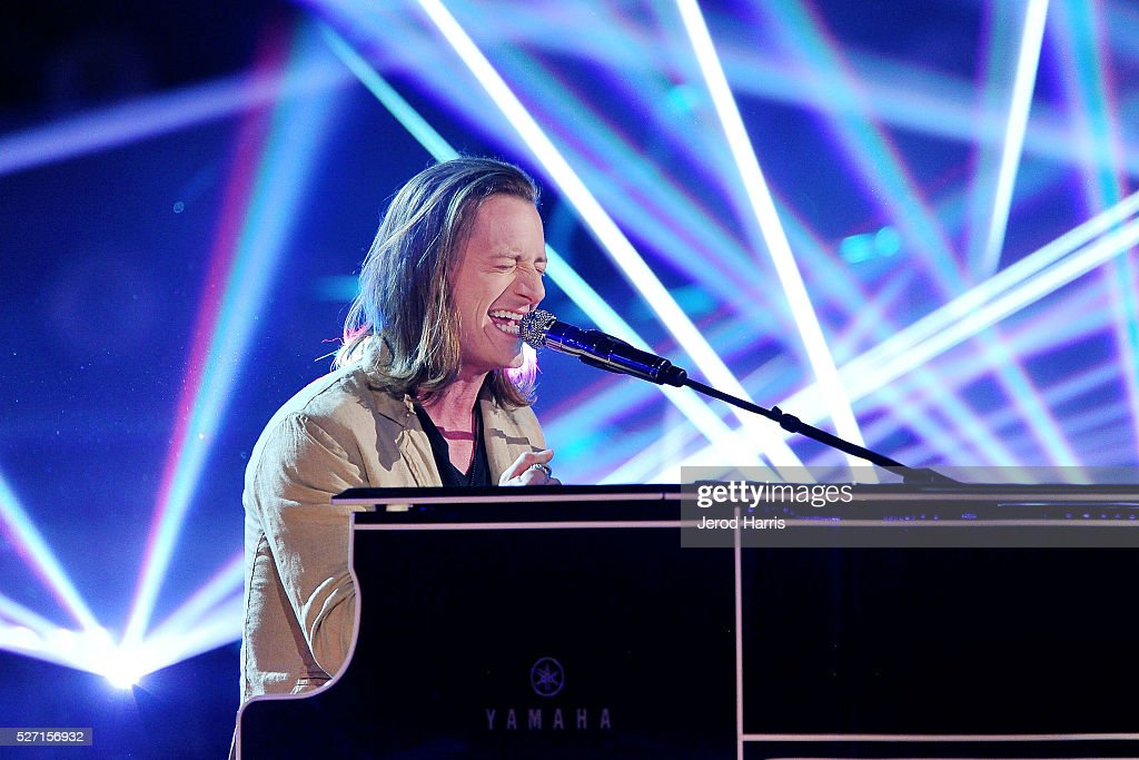 <a gi-track='captionPersonalityLinkClicked' href=/galleries/search?phrase=Tyler+Hubbard&family=editorial&specificpeople=9453787 ng-click='$event.stopPropagation()'>Tyler Hubbard</a> of Florida Georgia Line performs at the 2016 American Country Countdown Awards at The Forum on May 1, 2016 in Inglewood, California.