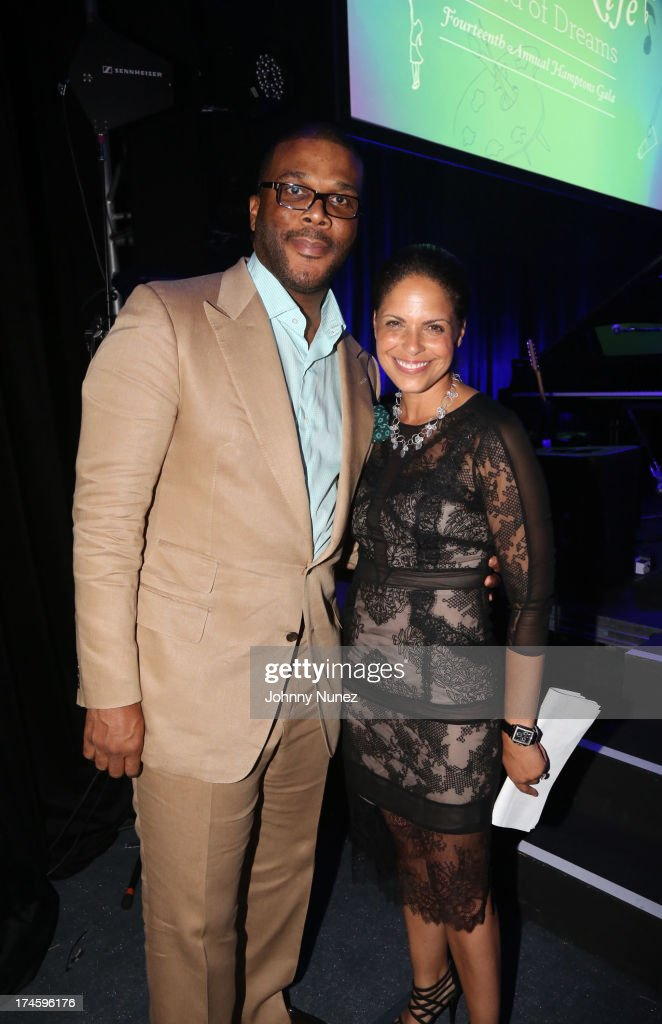 <a gi-track='captionPersonalityLinkClicked' href=/galleries/search?phrase=Tyler+Perry&family=editorial&specificpeople=678008 ng-click='$event.stopPropagation()'>Tyler Perry</a> and <a gi-track='captionPersonalityLinkClicked' href=/galleries/search?phrase=Soledad+O%27Brien&family=editorial&specificpeople=223926 ng-click='$event.stopPropagation()'>Soledad O'Brien</a> attend the 14th Annual Art For Life Gala: A Field Of Dreams at Fairview Farms on July 27, 2013 in Bridgehampton, New York.
