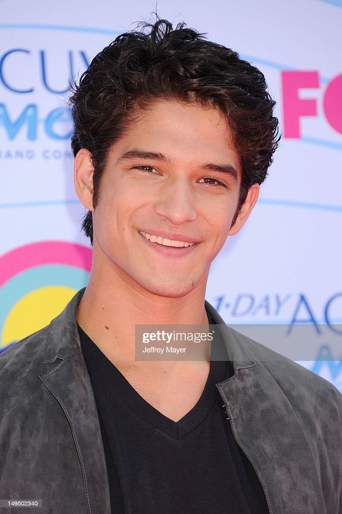 Tyler Posey arrives at the 2012 Teen Choice Awards at Gibson Amphitheatre on July 22, 2012 in Universal City, California.