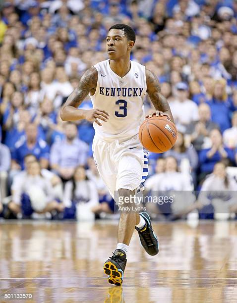 Tyler Ulis of the Kentucky Widcats dribbles the ball during the game against the Arizona State Sun Devils at Rupp Arena on December 12 2015 in...