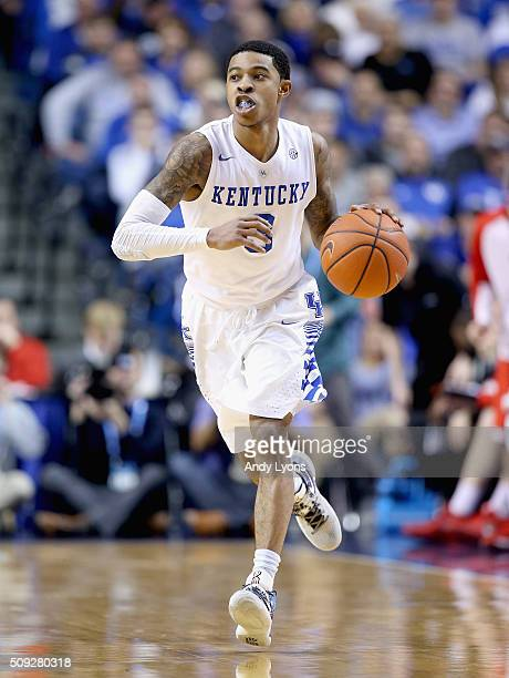 Tyler Ulis of the Kentucky Wildcats dribbles the ball in the game against the Georgia Bulldogs at Rupp Arena on February 9 2016 in Lexington Kentucky