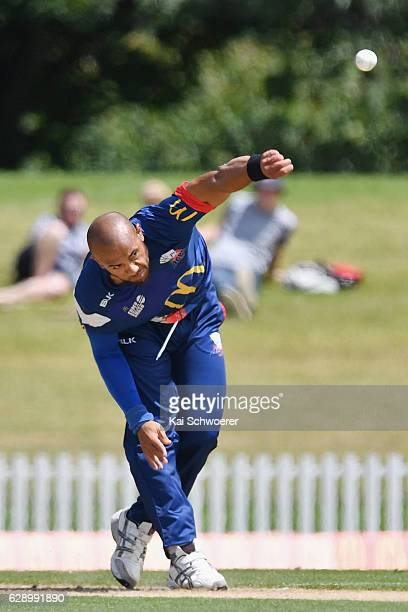 Tymal Mills of the Aces bowls during the Super Smash Twenty20 match between the Canterbury kings and the Auckland Aces at Hagley Oval on December 11...
