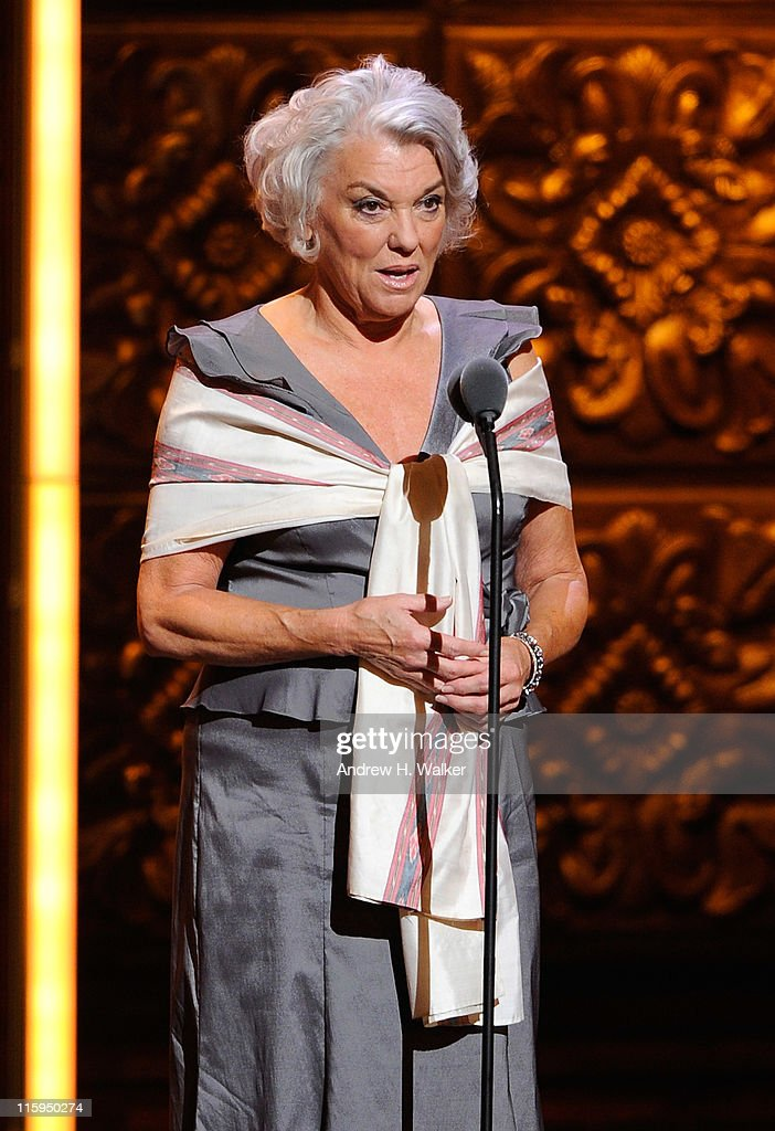 <a gi-track='captionPersonalityLinkClicked' href=/galleries/search?phrase=Tyne+Daly&family=editorial&specificpeople=207055 ng-click='$event.stopPropagation()'>Tyne Daly</a> speaks on stage during the 65th Annual Tony Awards at the Beacon Theatre on June 12, 2011 in New York City.