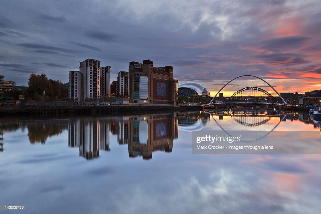 Tyne sunset : Stock Photo