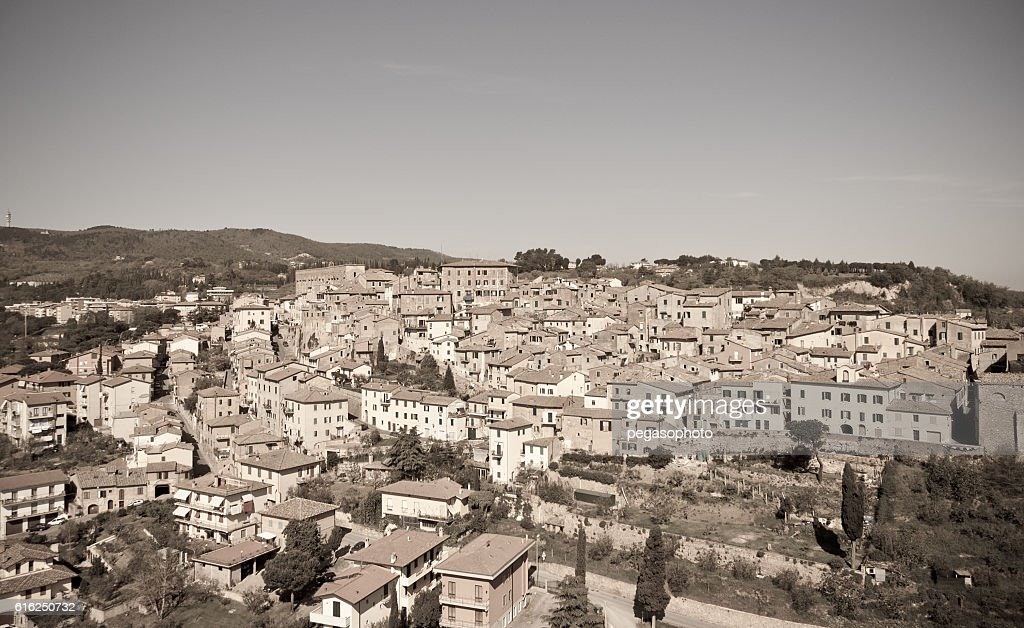 typical medieval village in Tuscany between Arezzo and Siena : Stock Photo