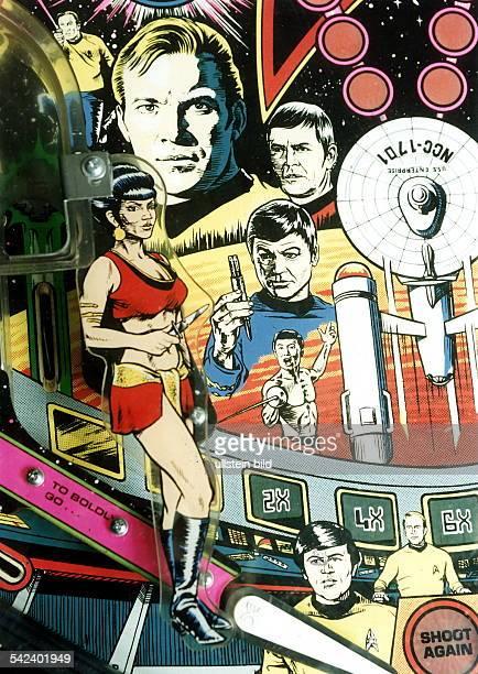 Typische Dekoration einesFlipperautomaten hier mit Darstellernder USFernsehserie `Star Trek' 1994