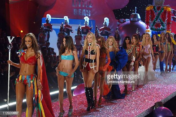 Tyra Banks Adriana Lima Karolina Kurkova Gisele Bundchen Heidi Klum and Naomi Campbell