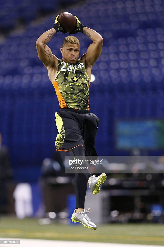 <a gi-track='captionPersonalityLinkClicked' href=/galleries/search?phrase=Tyrann+Mathieu&family=editorial&specificpeople=7173040 ng-click='$event.stopPropagation()'>Tyrann Mathieu</a> of Louisiana State University works out during the 2013 NFL Combine at Lucas Oil Stadium on February 26, 2013 in Indianapolis, Indiana.