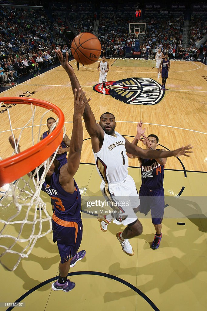 <a gi-track='captionPersonalityLinkClicked' href=/galleries/search?phrase=Tyreke+Evans&family=editorial&specificpeople=4851025 ng-click='$event.stopPropagation()'>Tyreke Evans</a> #1 of the New Orleans Pelicans drives to the basket against the Phoenix Suns on November 5, 2013 at the New Orleans Arena in New Orleans, Louisiana.