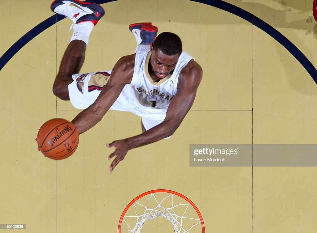 Tyreke Evans #1 of the New Orleans Pelicans goes up for a shot against the Miami Heat on March 22, 2014 at the Smoothie King Center in New Orleans, Louisiana.
