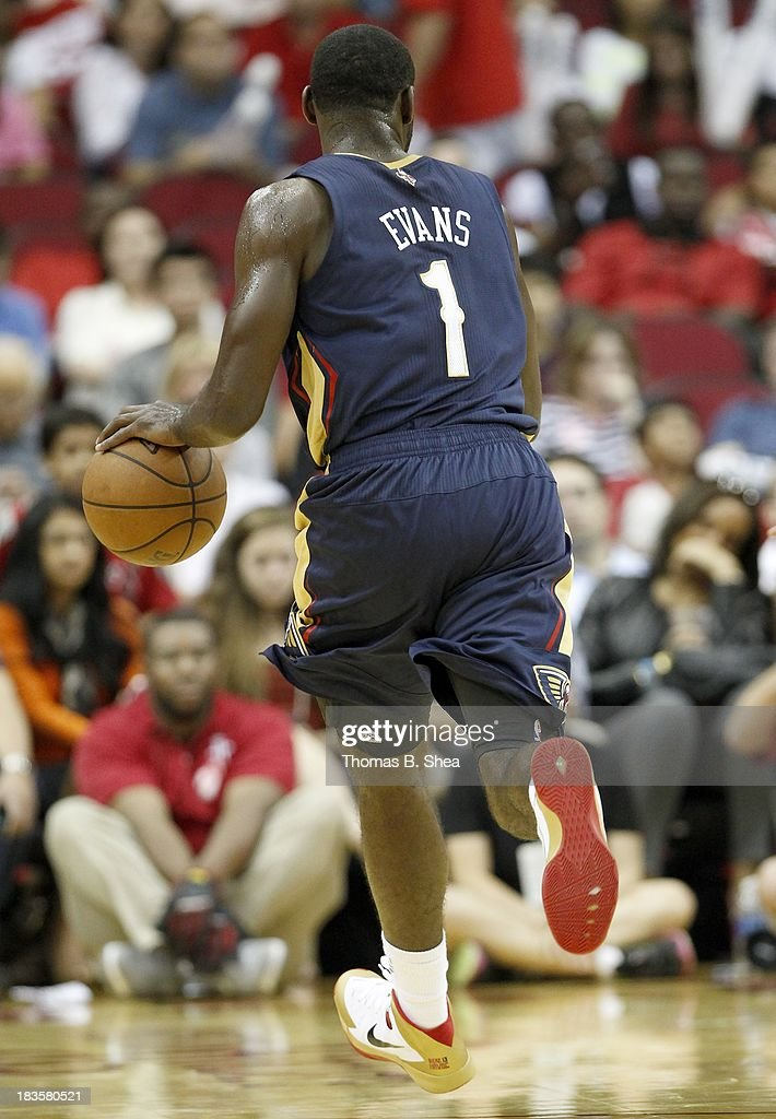 Tyreke Evans #1 of the New Orleans Pelicans handles the ball against the Houston Rockets in a preseason NBA game on October 5, 2013 at Toyota Center in Houston, Texas. The Pelicans won 116 to 115.