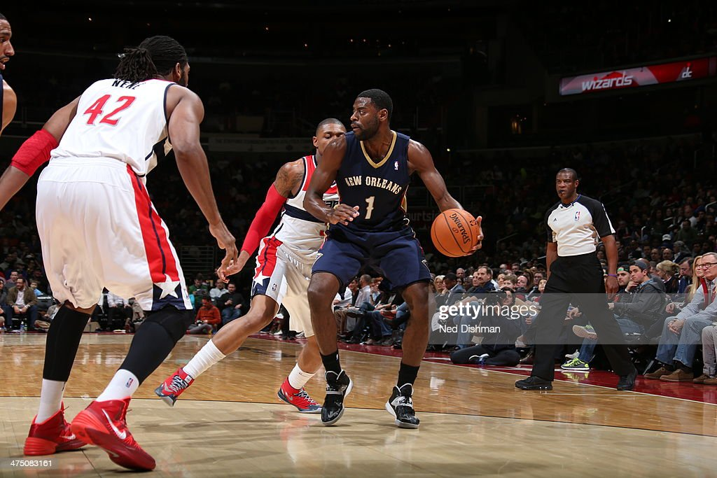 <a gi-track='captionPersonalityLinkClicked' href=/galleries/search?phrase=Tyreke+Evans&family=editorial&specificpeople=4851025 ng-click='$event.stopPropagation()'>Tyreke Evans</a> #1 of the New Orleans Pelicans handles the ball against the Washington Wizards at the Verizon Center on February 22, 2014 in Washington, DC.