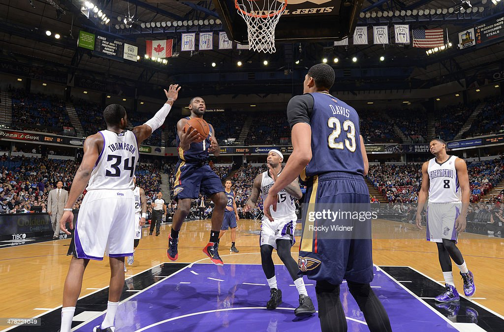 <a gi-track='captionPersonalityLinkClicked' href=/galleries/search?phrase=Tyreke+Evans&family=editorial&specificpeople=4851025 ng-click='$event.stopPropagation()'>Tyreke Evans</a> #1 of the New Orleans Pelicans shoots a layup against the Sacramento Kings on March 3, 2014 at Sleep Train Arena in Sacramento, California.