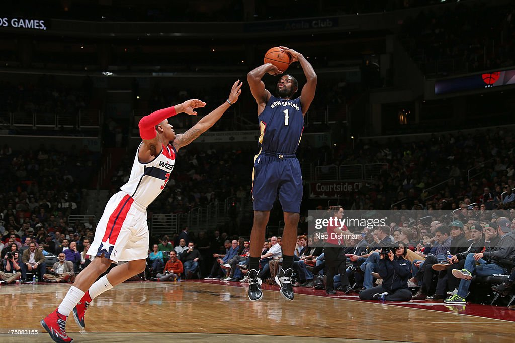 <a gi-track='captionPersonalityLinkClicked' href=/galleries/search?phrase=Tyreke+Evans&family=editorial&specificpeople=4851025 ng-click='$event.stopPropagation()'>Tyreke Evans</a> #1 of the New Orleans Pelicans shoots against the Washington Wizards at the Verizon Center on February 22, 2014 in Washington, DC.