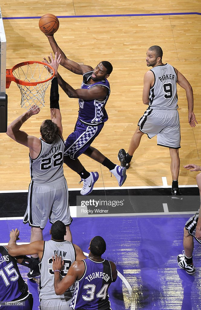 <a gi-track='captionPersonalityLinkClicked' href=/galleries/search?phrase=Tyreke+Evans&family=editorial&specificpeople=4851025 ng-click='$event.stopPropagation()'>Tyreke Evans</a> #13 of the Sacramento Kings shoots against <a gi-track='captionPersonalityLinkClicked' href=/galleries/search?phrase=Tiago+Splitter&family=editorial&specificpeople=208218 ng-click='$event.stopPropagation()'>Tiago Splitter</a> #22 of the San Antonio Spurs on February 19, 2013 at Sleep Train Arena in Sacramento, California.