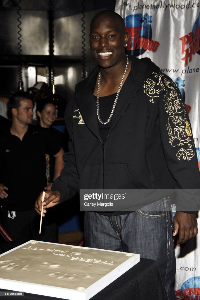 """Tyrese Visits Planet Hollywood to Promote his New Movie """"Waste Deep"""""""