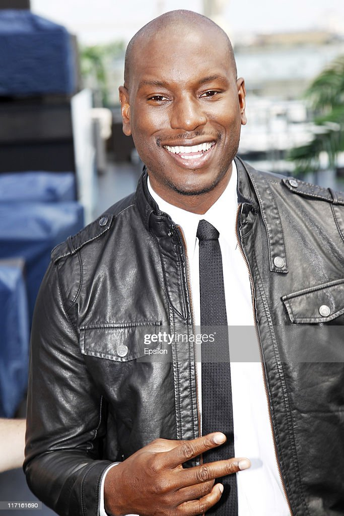 <a gi-track='captionPersonalityLinkClicked' href=/galleries/search?phrase=Tyrese&family=editorial&specificpeople=206177 ng-click='$event.stopPropagation()'>Tyrese</a> Gibson poses for a photocall before global premiere of 'Transformers 3' movie on the roof of the Ritz hotel on June 23, 2011 in Moscow, Russia.