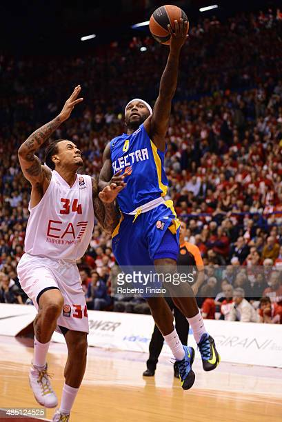 Tyrese Rice #4 of Maccabi Electra Tel Aviv in action during the Turkish Airlines Euroleague Basketball Play Off Game 1 between EA7 Emporio Armani...