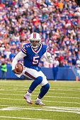 Tyrod Taylor of the Buffalo Bills runs for a touchdown during the first half against the Houston Texans on December 6 2015 at Ralph Wilson Stadium in...