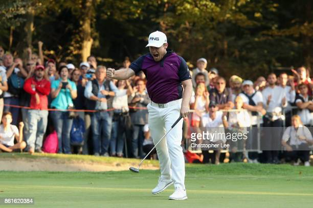 Tyrrell Hatton of England celebrates victory during the final round of the 2017 Italian Open at Golf Club Milano Parco Reale di Monza on October 15...