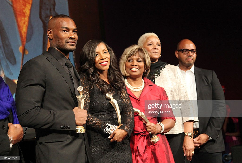 <a gi-track='captionPersonalityLinkClicked' href=/galleries/search?phrase=Tyson+Beckford&family=editorial&specificpeople=210873 ng-click='$event.stopPropagation()'>Tyson Beckford</a>, <a gi-track='captionPersonalityLinkClicked' href=/galleries/search?phrase=June+Ambrose&family=editorial&specificpeople=619410 ng-click='$event.stopPropagation()'>June Ambrose</a>, Donna Williams, Audrey Smaltz, and Emil Wilbekin attend Harlem's Fashion Row at Jazz at Lincoln Center on September 16, 2011 in New York City.