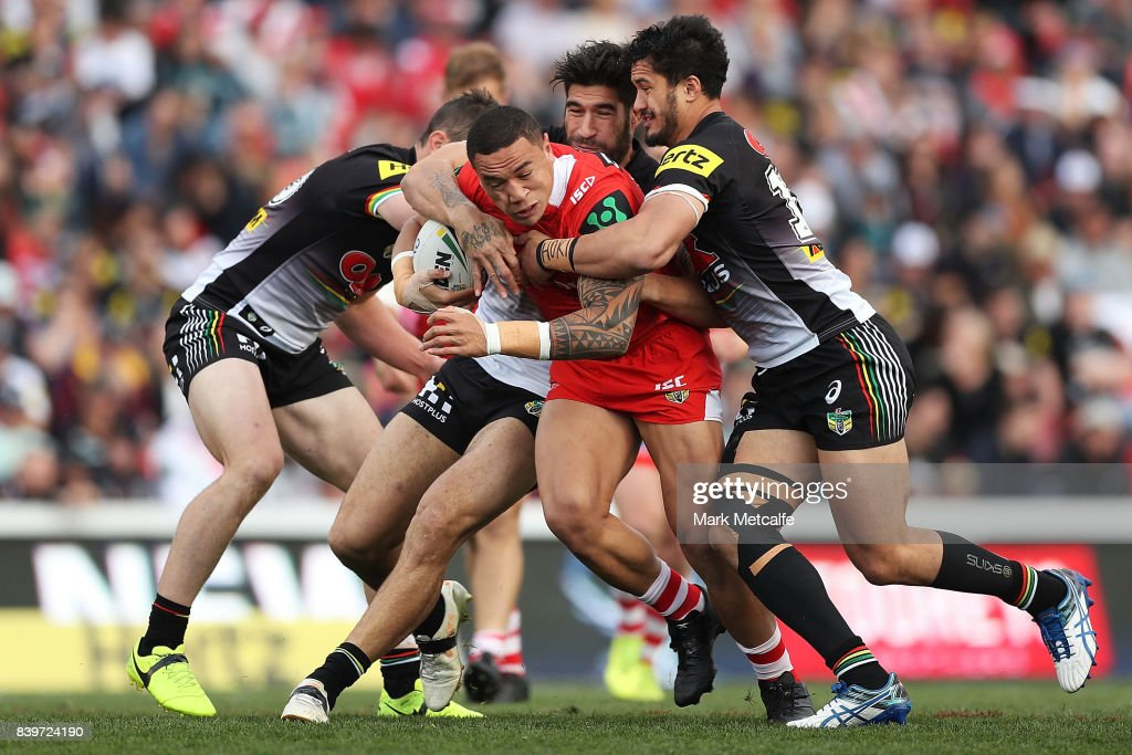 Tyson Frizell of the Dragons is tackled during the round 25 NRL match between the Penrith Panthers and the St George Illawarra Dragons at Pepper Stadium on August 27, 2017 in Sydney, Australia.