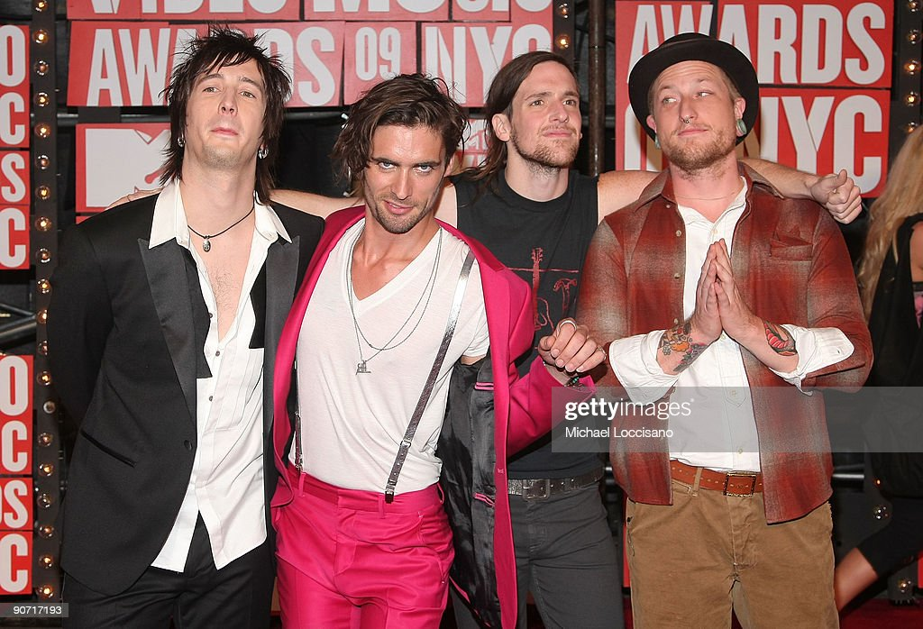 <a gi-track='captionPersonalityLinkClicked' href=/galleries/search?phrase=Tyson+Ritter&family=editorial&specificpeople=227469 ng-click='$event.stopPropagation()'>Tyson Ritter</a> of All American Rejects arrives at the 2009 MTV Video Music Awards at Radio City Music Hall on September 13, 2009 in New York City.