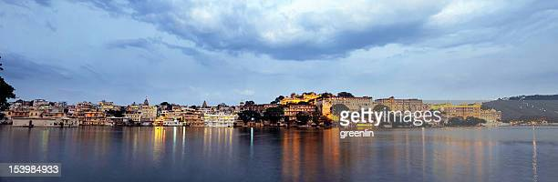 Uaipur City Palace & Pichola Lake Sunset