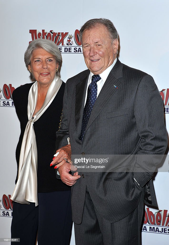 Uderzo (R) and his wife attends the 'Asterix & Obelix: Au Service De Sa Majeste' premiere at Le Grand Rex on September 30, 2012 in Paris, France.