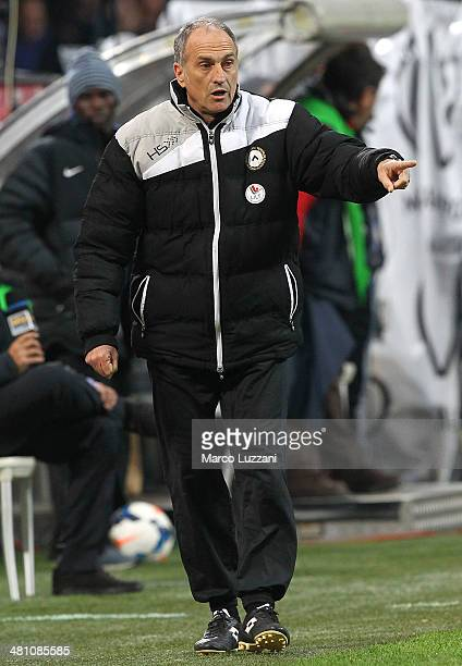 Udinese Calcio coach Francesco Guidolin issues instructions to his players during the Serie A match between FC Internazionale Milano and Udinese...