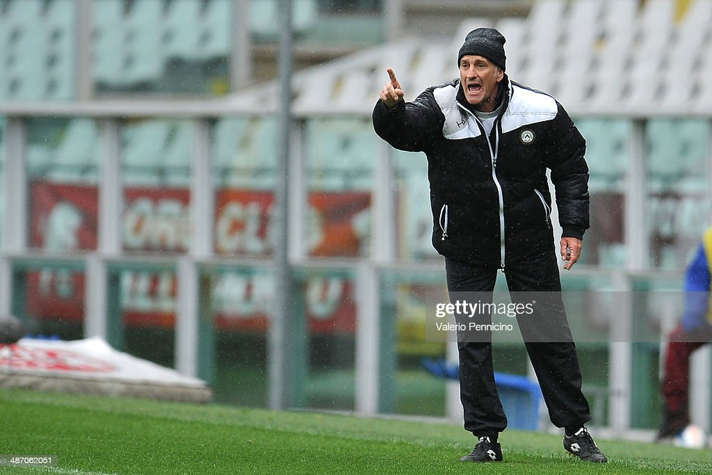Udinese Calcio head coach <a gi-track='captionPersonalityLinkClicked' href=/galleries/search?phrase=Francesco+Guidolin&family=editorial&specificpeople=770478 ng-click='$event.stopPropagation()'>Francesco Guidolin</a> issues instructions during the Serie A match between Torino FC and Udinese Calcio at Stadio Olimpico di Torino on April 27, 2014 in Turin, Italy.