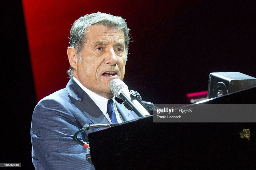 udo juergens performs in berlin getty images. Black Bedroom Furniture Sets. Home Design Ideas