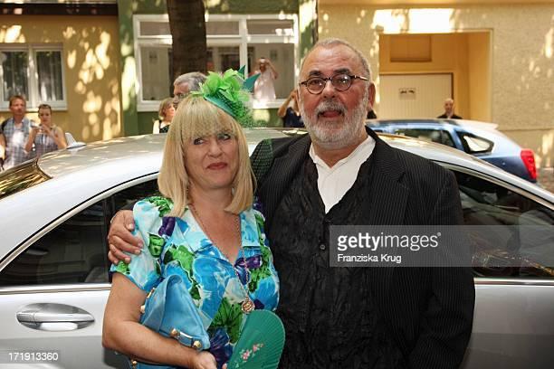 Udo Walz Und Patricia Riekel Bei Der Hochzeit Von Udo Walz Und Carsten Thamm Im Japanischen Garten Im Hotel Brandenburger Hof In Berlin Am 260708