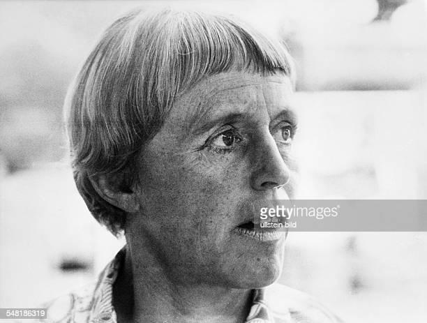 Uhse Beate * Unternehmerin Pilotin D Portrait 1969