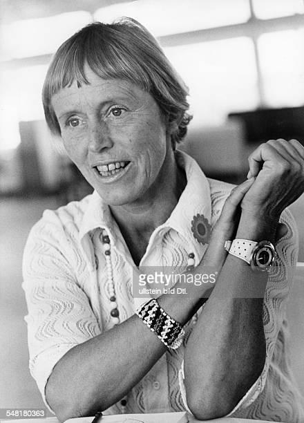 Uhse Beate * Unternehmerin Pilotin D Portrait 1971