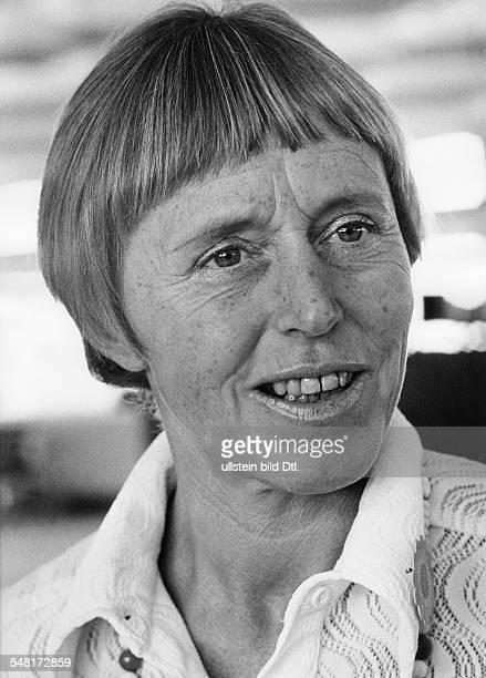 Uhse Beate * Unternehmerin Pilotin D Portrait 1973