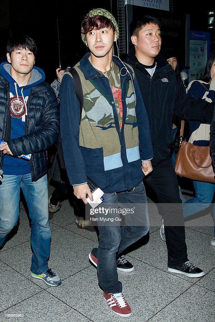 <a gi-track='captionPersonalityLinkClicked' href=/galleries/search?phrase=U-Know&family=editorial&specificpeople=8263253 ng-click='$event.stopPropagation()'>U-Know</a> of South Korean boy band TVXQ is seen at Incheon International Airport on November 22, 2012 in Incheon, South Korea.