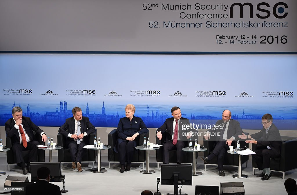 Ukraine's President Petro Poroshenko, Finnish President Sauli Niinisto, Lithuania's President Dalia Grybauskaite, Poland's President Andrzej Duda, President of the European Parliament Martin Schulz and President and Founder of Eurasia Group Ian Bremmer take part in a panel discussion during the second day of the 52nd Munich Security Conference (MSC) in Munich, southern Germany, on February 13, 2016. / AFP / Christof STACHE