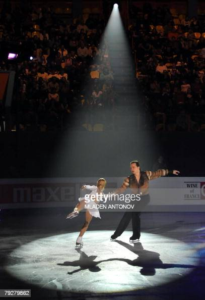 Ukraine's Tatiana Volosozhar and Stanislas Morozov perform an exhibition program at the Dom Sportova Arena in Zagreb 27 January 2008 during the gala...