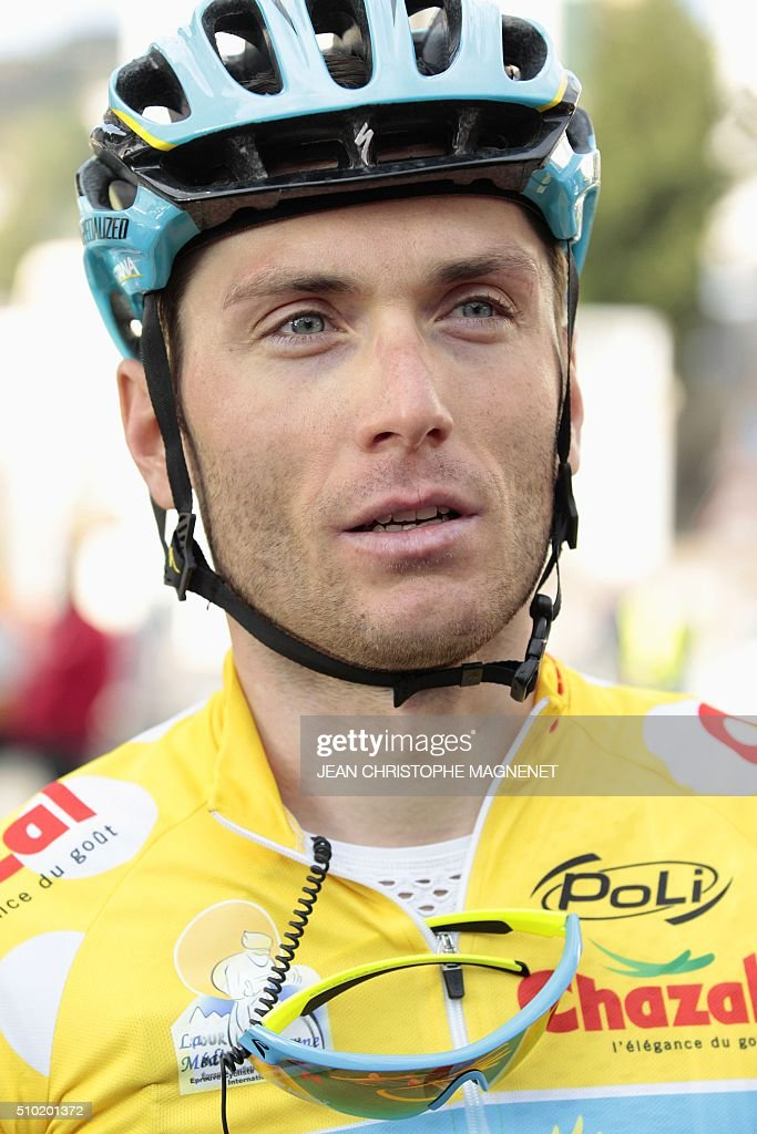 Ukrainian cyclist Andriy Grivko of Astana team answer questions after winning The Mediterranean cyclist (La Méditerranéenne cycliste) in the fourth and last stage (95.7 km), on February 14, 2016, in the Italian city of Bordighera. / AFP / JEAN CHRISTOPHE MAGNENET