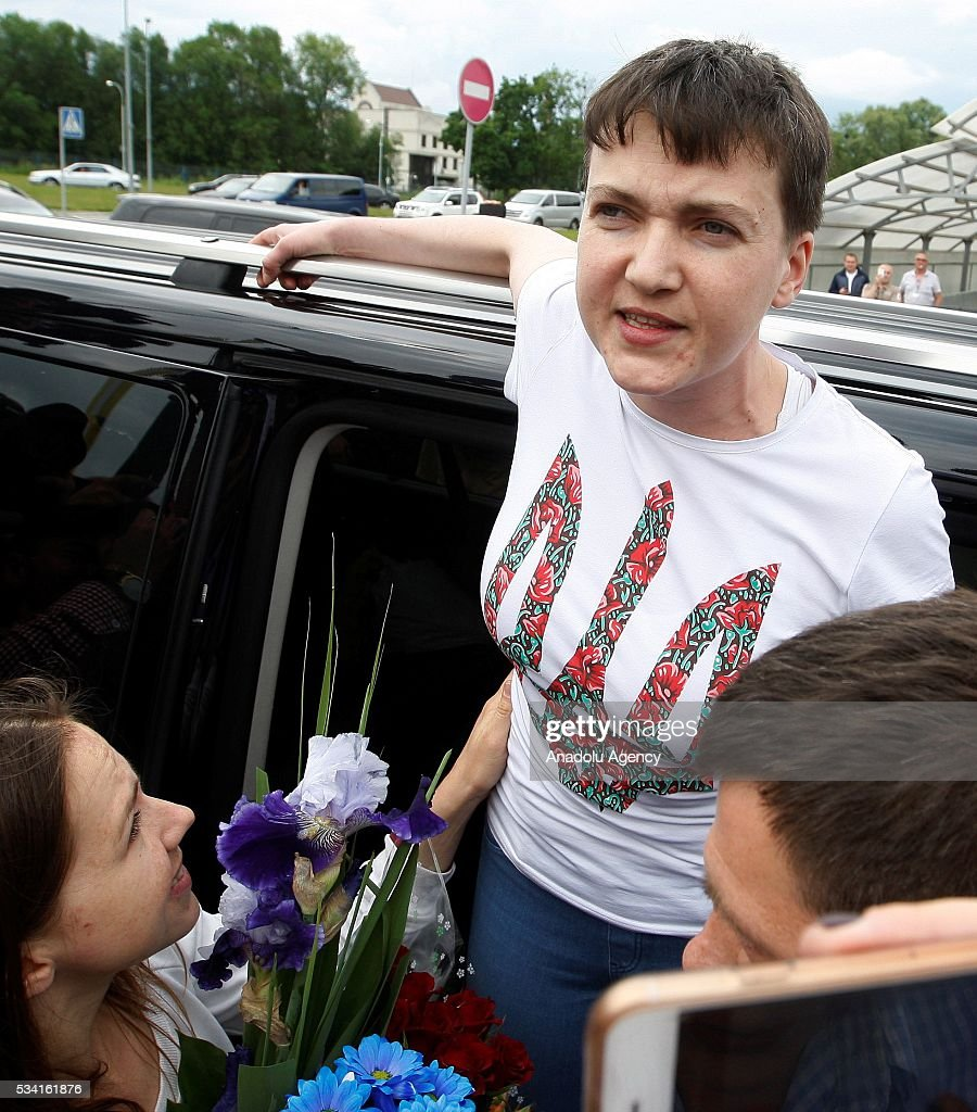 Ukrainian pilot Nadiya Savchenko delivers a speech to media as she arrived to airport Boryspil,near Kiev,Ukraine,on May 25,2016 Vladimir Shtanko / Anadolu Agency