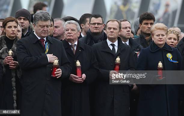 Ukrainian President Petro Poroshenko German President Joachim Gauck European Council President Donald Tusk and Lithuanian President Dalia...
