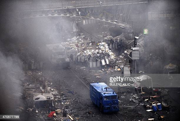 Ukranian riot police clash with protestors on February 20 2014 in Kiev Hundreds of armed protesters charged police barricades Thursday on Kiev's...